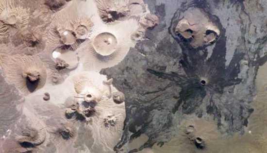 foto de la NASA, volcanes en Arabia Saudí